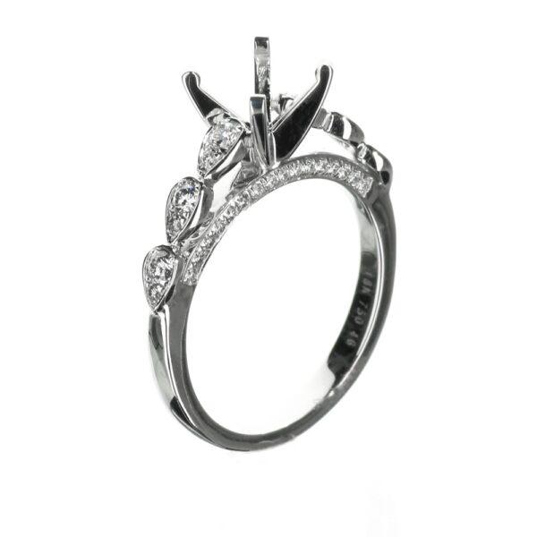 14 Karat White Gold Vintage Solitaire Engagement ring