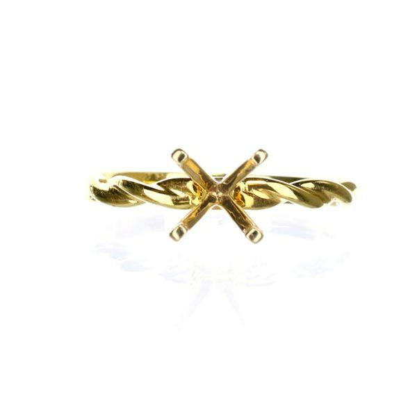 Solitaire Engagement Ring braided pattern 14 karat yellow gold